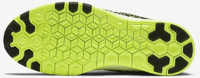 Nike-Free-TR-5-Print-Black-Volt