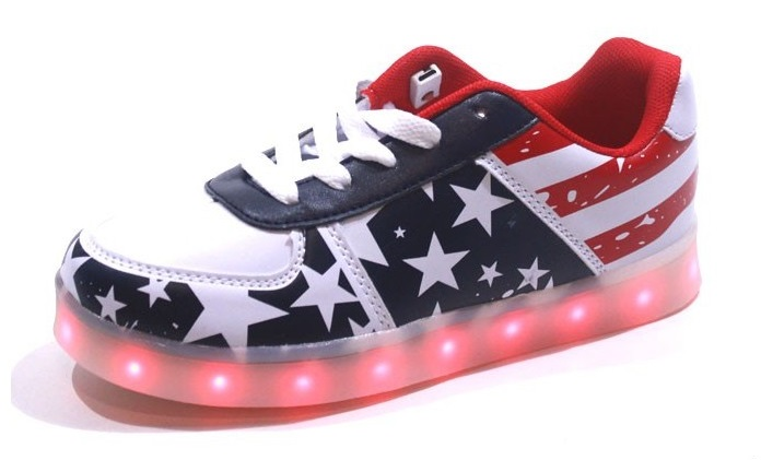 baskets-led-american-flag-bleu-et-rouge