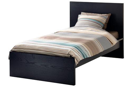 sodes ikea maroc cadre de lit malm 995dhs les soldes et promotions du maroc. Black Bedroom Furniture Sets. Home Design Ideas
