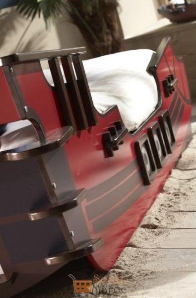 Promo Odesign Lit Enfant SHARK en forme de bateau de pirate 4300Dhs au lieu de 4800Dhs
