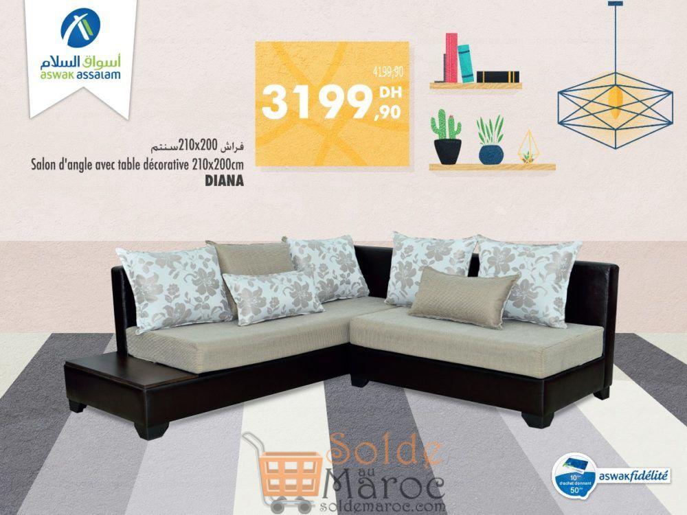 Promo Aswak Assalam Canapé d'angle + Table décorative DIANA 3199Dhs au lieu de 4199Dhs