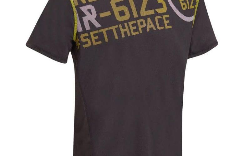Solde Decathlon T-shirt fitness cardio homme noir imprimé jaune Energy 59Dhs au lieu de 79Dhs