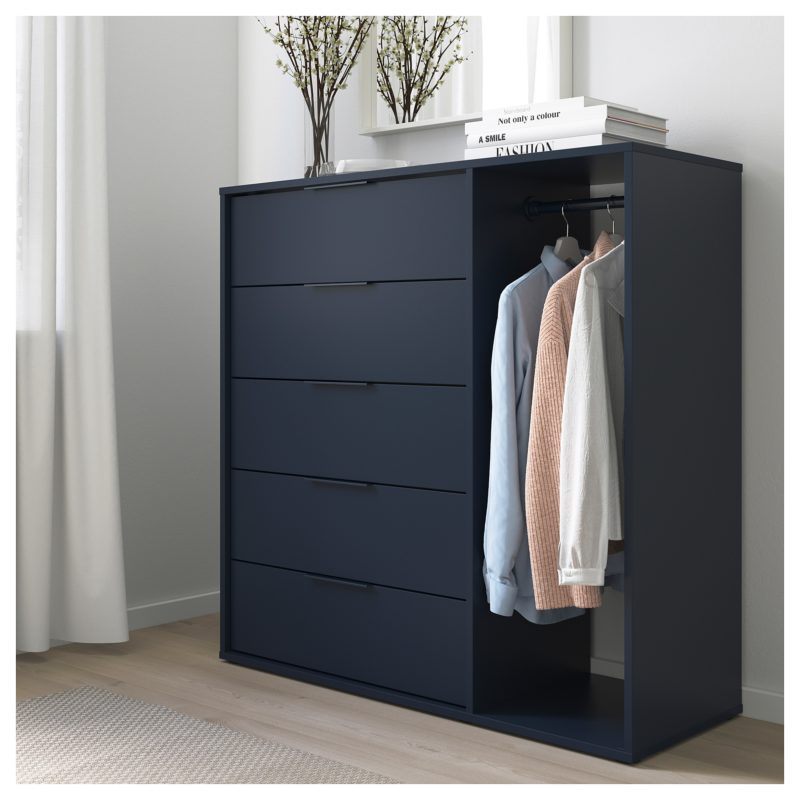 Promo Ikea Maroc Commode avec tringle NORDMELA bleu-noir 2545Dhs au lieu de 2995Dhs