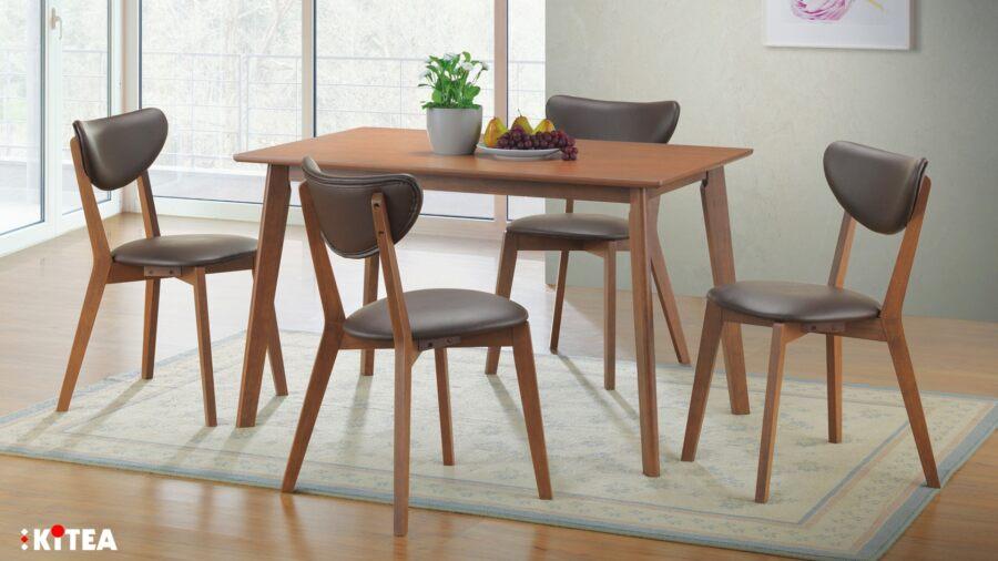 Offre Kitea Set PRINCETTON Table + 4 chaises en bois massif 3890Dhs