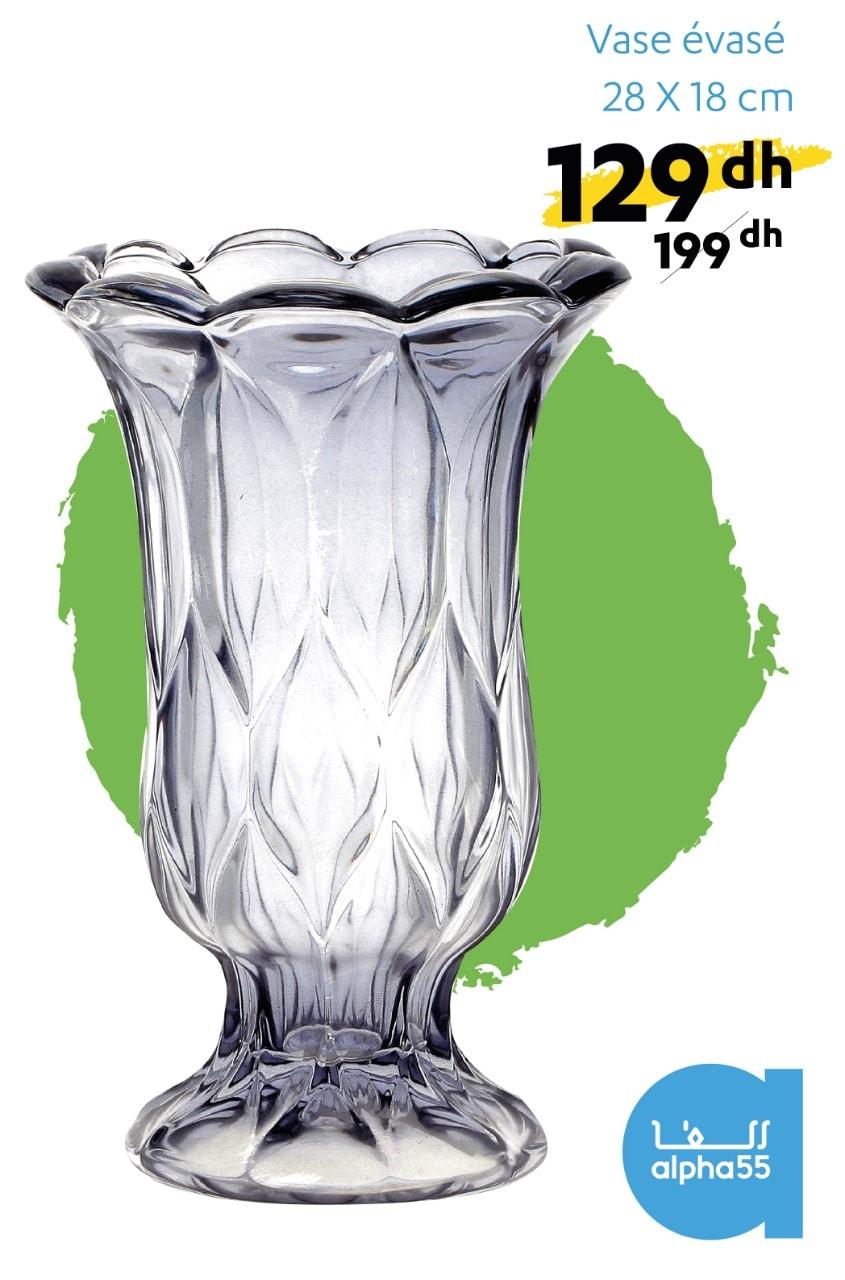 Offre Promotionnel chez Alpha55 Vase en verre évasé 28x18cm 129Dhs au lieu de 199Dhs
