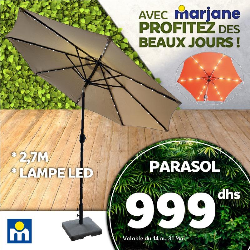 Offre Profitez des Beaux Jours chez Marjane Parasol 2.7m avec lampe LED à 999Dhs